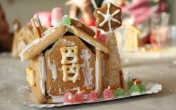10 Декември 2011 - Коледна Къща от бисквити